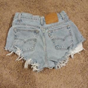 Levis 551 28 short shorts vtg